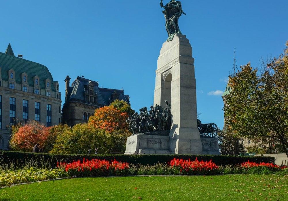 _Fujifilm-x100s---War-Memorial-Ottawa--00058-2-copy